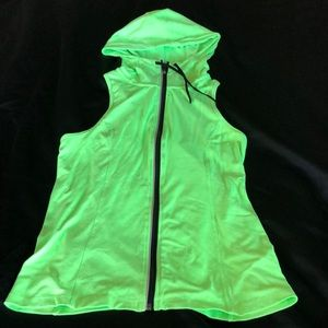 Work out hooded vest